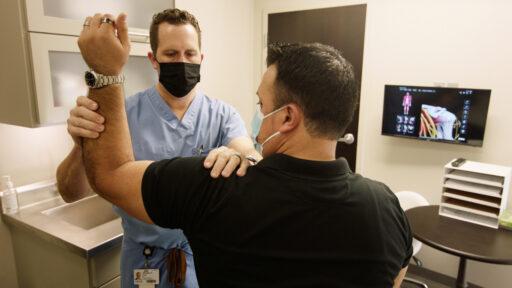 shoulder exam in clinic